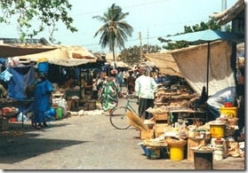 Mercado en Banjul-GAMBIA-EL CRISOL DE LA CORDURA