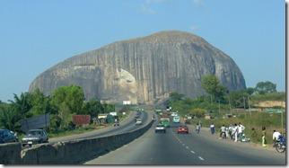 ROCA ZUMA-NIGERIA-EL CRISOL DE LA CORDURA